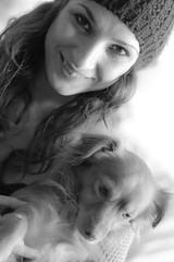 Mara y Tintn (Blaka) Tags: portrait dog chien blancoynegro girl monocromo pretty chica retrato anima
