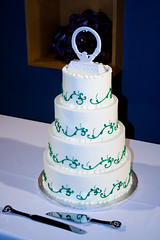 CV619 Wedding Cake (listentoreason) Tags: wedding food usa cake america canon geotagged dessert unitedstates geocoded stlouis favorites marriage places mo event missouri gatewaytothewest showmestate score35 ef28135mmf3556isusm