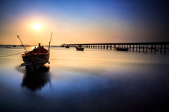 Fishing boat with sunset (Patrick Foto ;)) Tags: ocean blue school trees light sunset red sea summer sky people orange sun white fish color reflection nature water beautiful beauty silhouette sport yellow coral night clouds speed sunrise landscape thailand evening coast boat spring fishing marine colorful long exposure day ship dusk background web vessel business shutter tropical changwatchonburi tambonbangphra