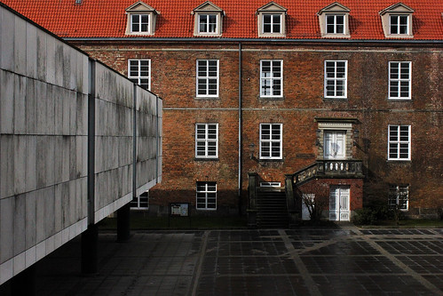 "In Kiel - Schloss 1 • <a style=""font-size:0.8em;"" href=""http://www.flickr.com/photos/69570948@N04/16519586060/"" target=""_blank"">View on Flickr</a>"