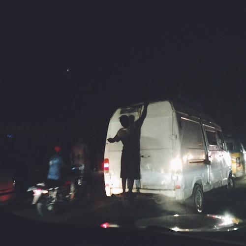 Kinshasa's mad traffic and people hanging on car windows... 😤😤😤😤😤 #kinshasa #drc #drcongo #traffic