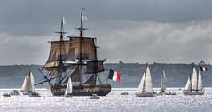 L'Hermione en rade de Brest, Brest 2016 (chripony29) Tags: sea mer brest voile contrejour voilier hermione rade frgate radedebrest ftesnautiques canoneos5dmarkiii brest2016