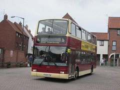 East Yorkshire 673 YY52LCN Sow Hill Bus Stn, Beverley on X46 (1) (1280x960) (dearingbuspix) Tags: eastyorkshire 673 x46 eyms yy52lcn