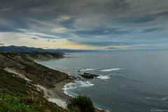 Mirando al Mar (GuillerML) Tags: costa cabo asturias acantilado cantabrico mar guillerml turismo nikon d3200 landscapes paisaje ocano agua orilla nikonflickraward waterscapes oviana nikkor 18140 rocas roca playa azul verde mirandoalmar