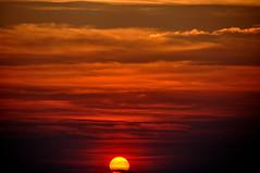 Comienza a salir el sol (enrique1959 -) Tags: martesdenubes martes nubes nwn mediterraneo agua amanecer