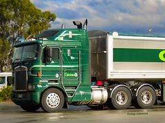 photo by secret squirrel (secret squirrel6) Tags: craigjohnsontruckphotos kenworth cabover longwarry green calcimo hercules