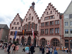 Rmer (Yvonne IA) Tags: germany frankfurt rmerbergsquare oldtown rmerbergcityhall cityhall rmer rathaus altstadt rmerbergplaza