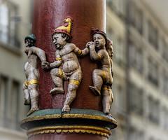 We can dance (*Capture the Moment*) Tags: 2016 altstadt berne column dof fotowalk historiccenter schweiz sommer sonne sonya7mii sonya7ii sonyilce7m2 strassenscene streetlife summer switzerland sule wetter zeissbatis1885