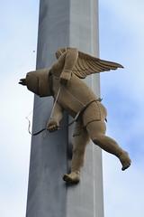 Magische Sule des Peter Lenk (Jeanne Menj) Tags: meersburg lacdeconstance magischesule peterlenk sculpture ange angel engel