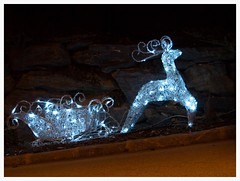 MERRY CHRISTMAS and a HAPPY NEW YEAR ! (kurtwolf303) Tags: christmas weihnachten reindeer lights 500v20f olympus rentier beleuchtung omd sledge schlitten em5 250v10f systemcamera micro43 microfourthirds minimum500v minimum700v