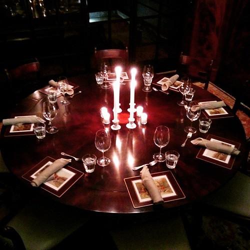 #intimatedinner #candledinner #ChristmasNYC #HolidaysNYC #cateringnyc #cocktailsnyc