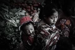 Chichicastenango (gies777) Tags: travel portrait people america leute maya market guatemala sony central menschen kind hut alpha frau markt indigenas chichicastenango huipil tracht lateinamerika indigene a700 zentralamerika mittelamerika quiché santotomáschichicastenango elquiché