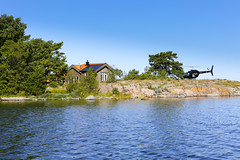Take the helicopter to your summer cottage in the archipelago. (Anders Sellin) Tags: 2016 helikopter sverige sweden archipelago baltic helicopter sea sommar stockholm summer runmar skrgrd