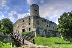 _DSC3548_n (fototaza) Tags: castle ruins tower monuments lipowiec zamek ruiny jura