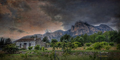 (183/16) Ponoig (Pablo Arias) Tags: pabloarias espaa spain hdr photomatix nx2 photoshop nubes texturas cielo rocas formacinrocosa ponoig montaa lanuca polop alicante comunidadvalenciana