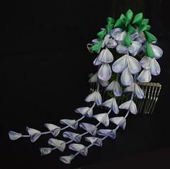 Fuji tsumami zaiku. Wisteria hair comb for maiko henshin (Bright Wish Kanzashi) Tags: tsumamizaiku kanzashi wisteria fuji      purple white handmade etsy