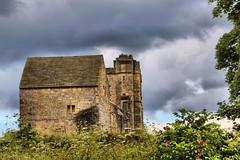 Helmsley Castle (robin denton) Tags: castle northyorkshire helmsley hdr englishheritage historicbuildings listedbuilding historicbritain history