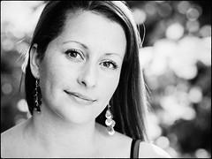 Elizabeth (Hasse Linden) Tags: portrait portrtt ritratto retrato headshot naturallight