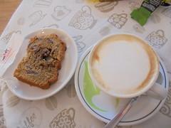 073 (en-ri) Tags: cappuccino fetta torta sony sonysti bar food cake cibo