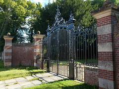 """VERPILLIERES (Grille du """"chteau"""") (xavnco2) Tags: somme picardie france grille fer forg wrought iron gate verpillires"""