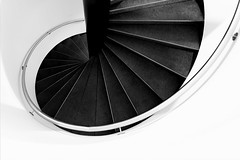 Descending (Maerten Prins) Tags: nederland netherlands amsterdam museum stair stairs stairwell descend snail curve white contrast blackandwhite monochrome abstract circle round