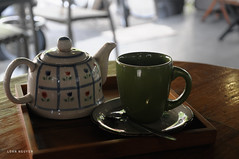 bnh tr  long (loanimages) Tags: book cafe tea oolong table