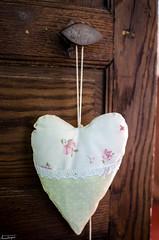 La porte du coeur (Arno MB) Tags: door wood heart coeur porte bois broderie