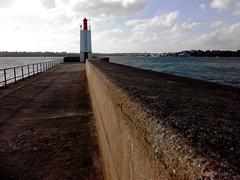 2014-12-LeMole-Phare (flebr1) Tags: france bretagne channel manche saintmalo britany