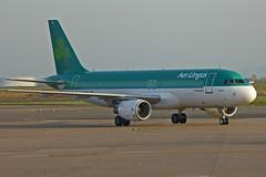 2014.11.23.011 ROISSY CHARLES-DE-GAULLE -  Airbus A320-214 (EI-DVL - St Moling - cn.4618) de la Cie Aer Lingus (alainmichot93 (Bonjour à tous - Hello everyone)) Tags: france airplane airbus iledefrance aerlingus avion irlande roissy 2014 aéroport valdoise a320214 roissycharlesdegaulle eidvl