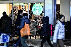 (sinkdd) Tags: street girl japan tokyo cafe nikon shinjuku thought 85mm starbucks nikkor d800 streetsnap  nikond800 f18g sinkdd