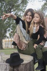 campaña otoño/invierno (Flopi Mussari) Tags: parque retrato sombrero madre hija