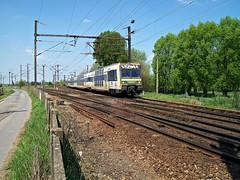 92052  Ostricourt  24.04.09 (w. + h. brutzer) Tags: digital train nikon eisenbahn railway zug trains et belgien eisenbahnen triebwagen sncb elektrotriebwagen triebzug ostricourt triebzge webru