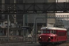 SBB Historic Roter Pfeil RAe 2/4 1001 ( Hersteller SLM Nr. 3581 => Ausgeliefert als CLe 2/4 201 => Baujahr 1935 ) am Bahnhof Kerzers im Kanton Freiburg der Schweiz (chrchr_75) Tags: chriguhurnibluemailch christoph hurni schweiz suisse switzerland svizzera suissa swiss chrchr chrchr75 chrigu chriguhurni 1503 mrz 2015 eisenbahn schweizer bahnen bahn train treno zug albumbahnenderschweiz albumbahnenderschweiz201516 albumzzz201503mrz juna zoug trainen tog tren  lokomotive  locomotora lok lokomotiv locomotief locomotiva locomotive railway rautatie chemin de fer ferrovia  spoorweg  centralstation ferroviaria