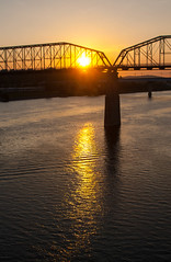 sunrise on the Tennessee River and Walnut Street Bridge (rpennington9) Tags: sunrise bridge bridges reflections reflection river rivers tennessee chattanooga nikon tennesseeriver walnutstreetbridge