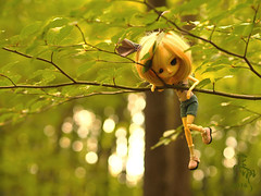 Tree mouse (Malina (LaelP)) Tags: doll puppe mueca poupe pullip dal groove frara cassie cassidy blond blonde fair hair blue eyes chips pink pastel cute beautiful mouse ears outdoors forest tree