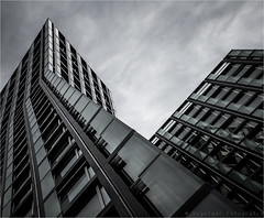 Tanzende Trme / Dancing Towers (henny vogelaar) Tags: architecture modern skyscraper germany hamburg richter stpauli reeperbahn teherani architektenbrobrtbothe