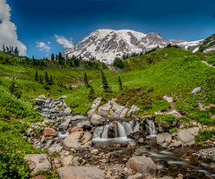 Mount Rainier, Washington [Explored #251 - 08/21/2016] (Abhijit B Photos) Tags: ashford washington unitedstates us mount rainier nationalparks mountrainiernationalpark stream water paradisepoint paradise outdoor nature naturalbeauty volcano mountain glacier landscape grassland mountainside