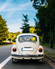 Beetle (ekidreki) Tags: nikon df sigma 50mm 50 50mm14 sigma50mm14art prime fast lens primelens car cars vw volkswagen beetle cox coccinelle kfer brussels bruxelles belgique belgium be sky skylight skies oldtimer