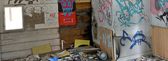 Urban exploration in Helsinki (JohntheFinn) Tags: urbanexploration kaitalahti helsinki finland suomi europe eurooppa huvila villa abandoned ghosttown hylätty hålvik kruunuvuori timber puurakennus kronberget summer kesä