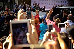 Scarlett Johansson (cookedphotos) Tags: canon 5dmarkii tiff toronto torontointernationalfilmfestival filmfestival princessofwales theatre redcarpet premiere sing scarlettjohansson actress blonde red paparazzi ipad photography fans celebrity beautiful