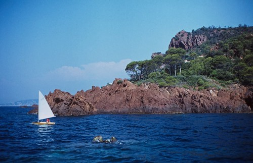 "111F Massif de l'Esterel • <a style=""font-size:0.8em;"" href=""http://www.flickr.com/photos/69570948@N04/15791225069/"" target=""_blank"">View on Flickr</a>"