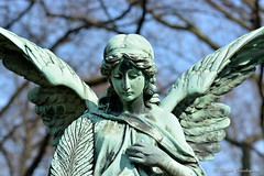 Je Suis Charlie (Frank Guschmann) Tags: friedhof nikon skulptur engel d7100 stubenrauchstrase frankguschmann nikond7100 jesuischarlie