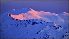 Mount Hinman at Sunset (@GilAegerter / klahini.com) Tags: sunset snow mountains nikon skiing hiking glaciers nikkor mountainrange d600 alpinelakeswilderness 400mmf56ais mounthinman