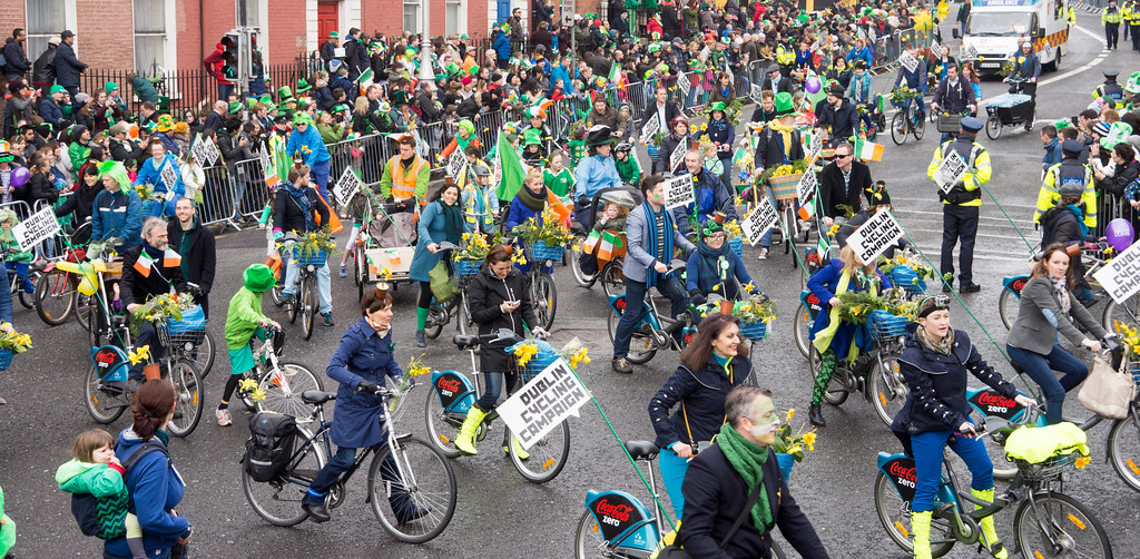 DUBLIN CYCLING CAMPAIGN - ST. PATRICK'S PARADE 2015 IN DUBLIN REF-102361