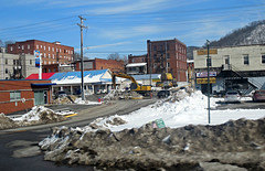 Clean Up in Downtown Harlan, KY (xandai) Tags: snow storm retail shopping kentucky ky fastfood snowstorm cleanup blizzard pandora harlan octavia winterstorm justified harlancounty southeasternkentucky justifiedfx