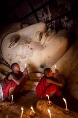 Devotion (paulpaulpauly) Tags: travel canon buddha burma large monks myanmar bagan 6d ef20mmf28usm shinbinthalyaungtemple recliningimage
