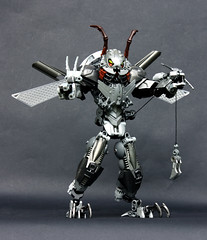 Arrogant Lieutenant-at-Arms 955 (Pate-keetongu) Tags: lego roach bionicle moc cbbs klaanon nazorak