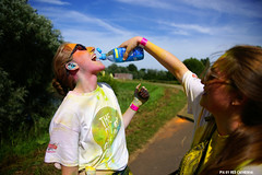 Color Run Antwerpen (Red Cathedral is offroad + off-grid in les Pyrn) Tags: sony sonyalpha alpha aztektv eventcoverage obstaclerun ocr a850 redcathedral colorrun hemiksem antwerpen holi thehappiest5kontheplanet belgium summer colour running run fun smile yellow geel water