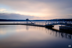(lotl.axo) Tags: longexposure sunset lake nature water reflections germany deutschland see wasser sonnenuntergang sundown natur steg langzeitbelichtung mecklenburgvorpommern spiegelungen travelphotography reisefotografie warin bootsanleger mecklenburgischeseenplatte warinersee