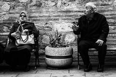 LES VAMPS (Florence Bonnin) Tags: street bw fuji candid istanbul turquie rue eyup individus photoslasauvette